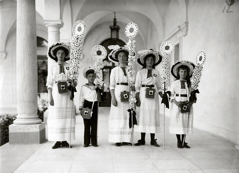 Праздник Белого цветка. Ливадия, 1910-е г.г.