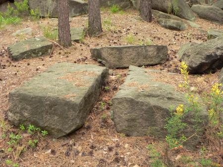 Рис. 16. Гранитные каменоломни (фото Семеновой Н.А.)