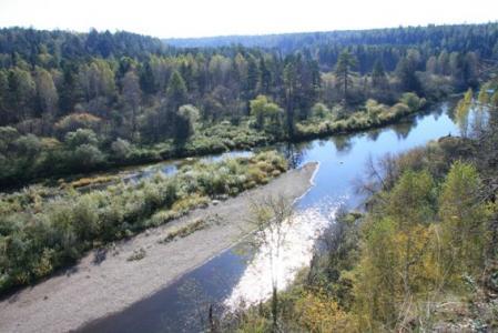 Рис. 32. Вид на долину реки Серга (фото Казакова Р.А.)