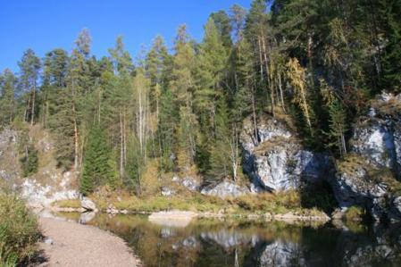 Рис. 47. Берега реки Серга (фото Казакова Р.А.)