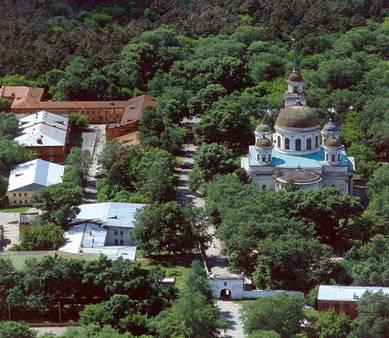 Рис. 4. Комплекс Ново-Тихвинского женского монастыря