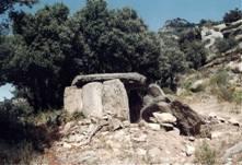 Рис. 4. Один из лангедокских дольменов (http://dolmen2.free.fr)